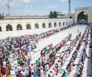 Kekeliruan-Kekeliruan Umat Islam di Hari Jumat