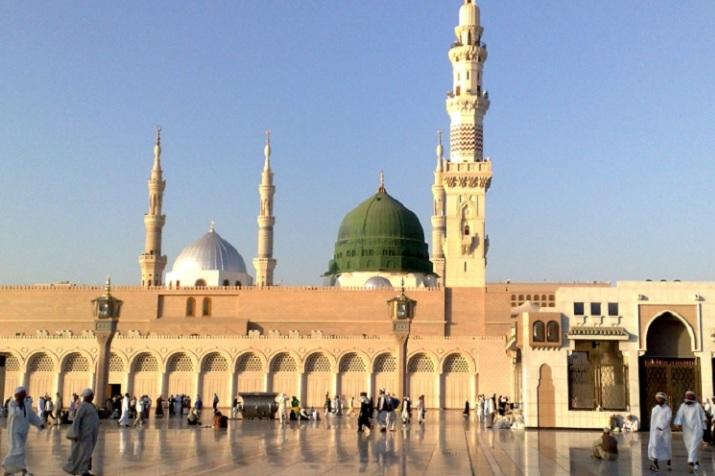 Khotbah Masjid An Nabawi Takjub Dengan Diri Sendiri