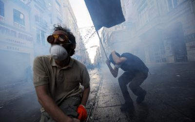 Protestors clash with Turkish riot policemen during a protest against the demolition of Taksim Gezi Park on May 31, 2013, in Taksim quarter of Istanbul.
